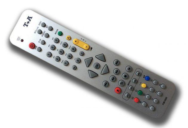 Fjärrkontrollen av aluminium ligger skönt i handen. Fast den har ett par överflödiga knappar som saknar funktion. Foto: T+A