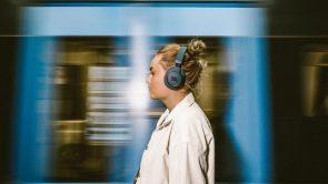 Hörlurar med röststyrning