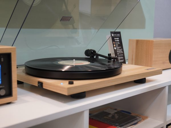 Como Audio Bluetooth Turntable