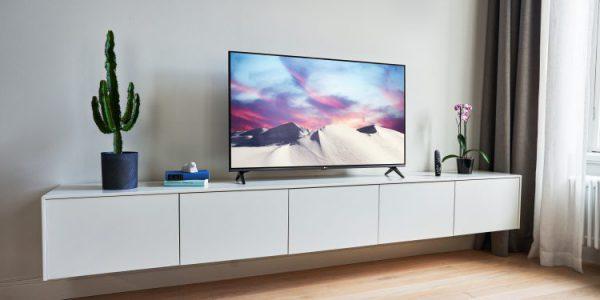 65-tums TV