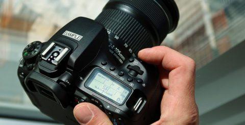 Canon släpper ny spegelreflex