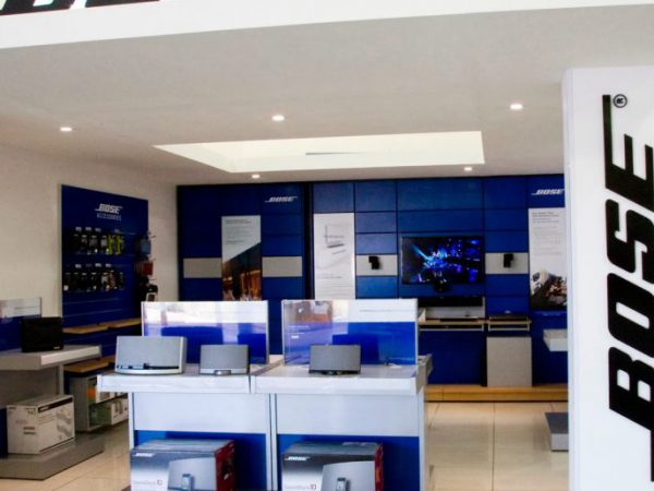 Bose Store läggs ner