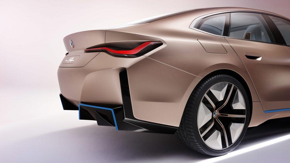 BMW-Concept-i4-9-989x557