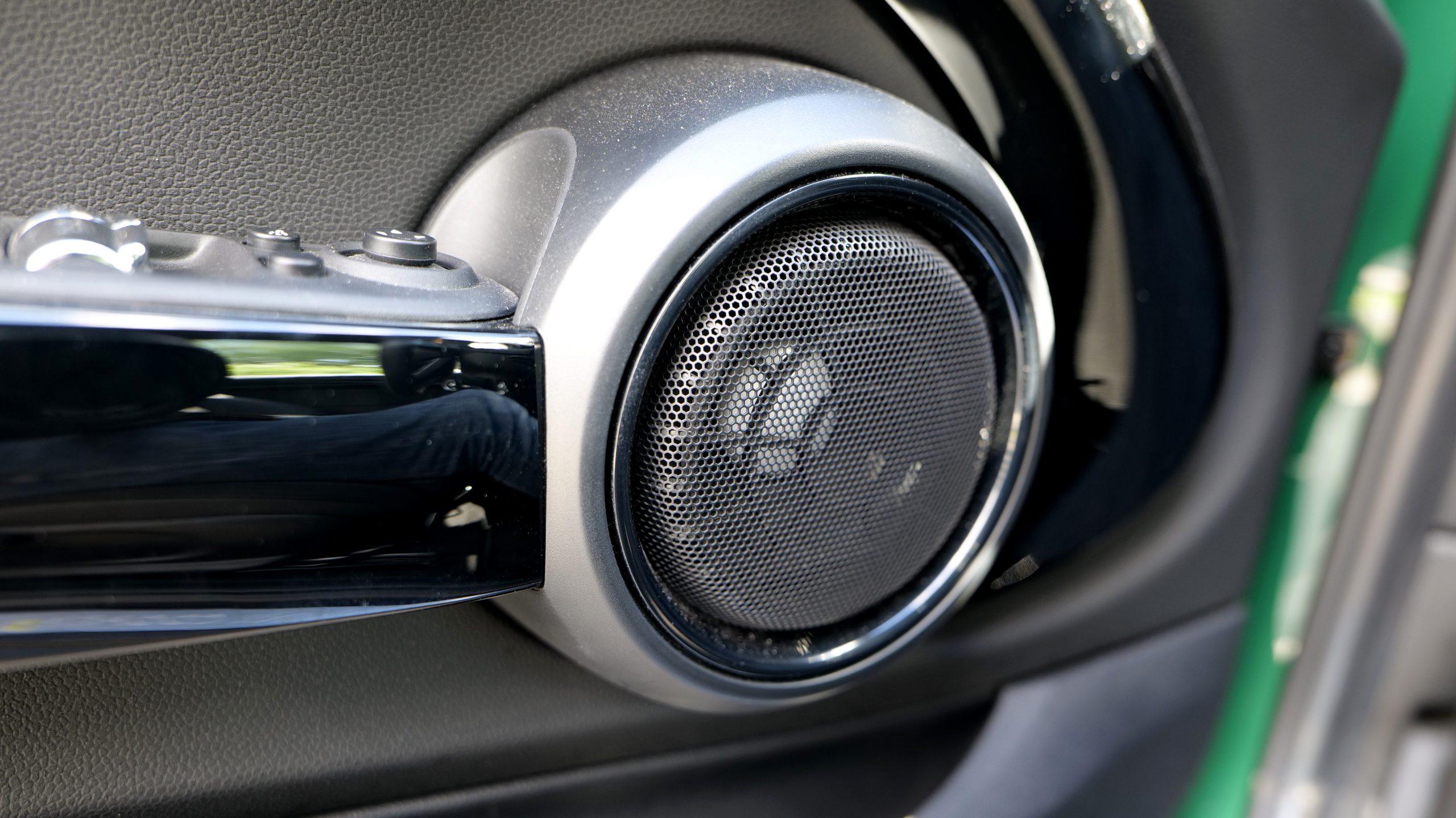 Mini Cooper SE midrange