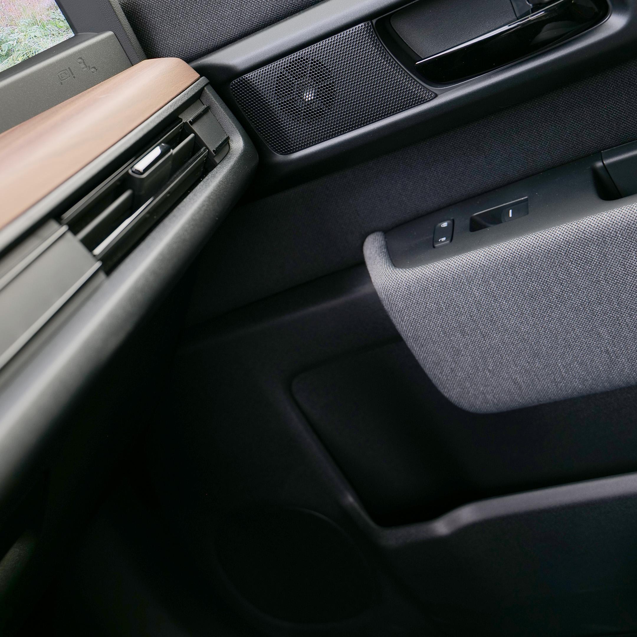 Honda e midrange & tweeter front