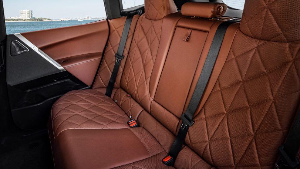 BMW iX Sports Pack 6