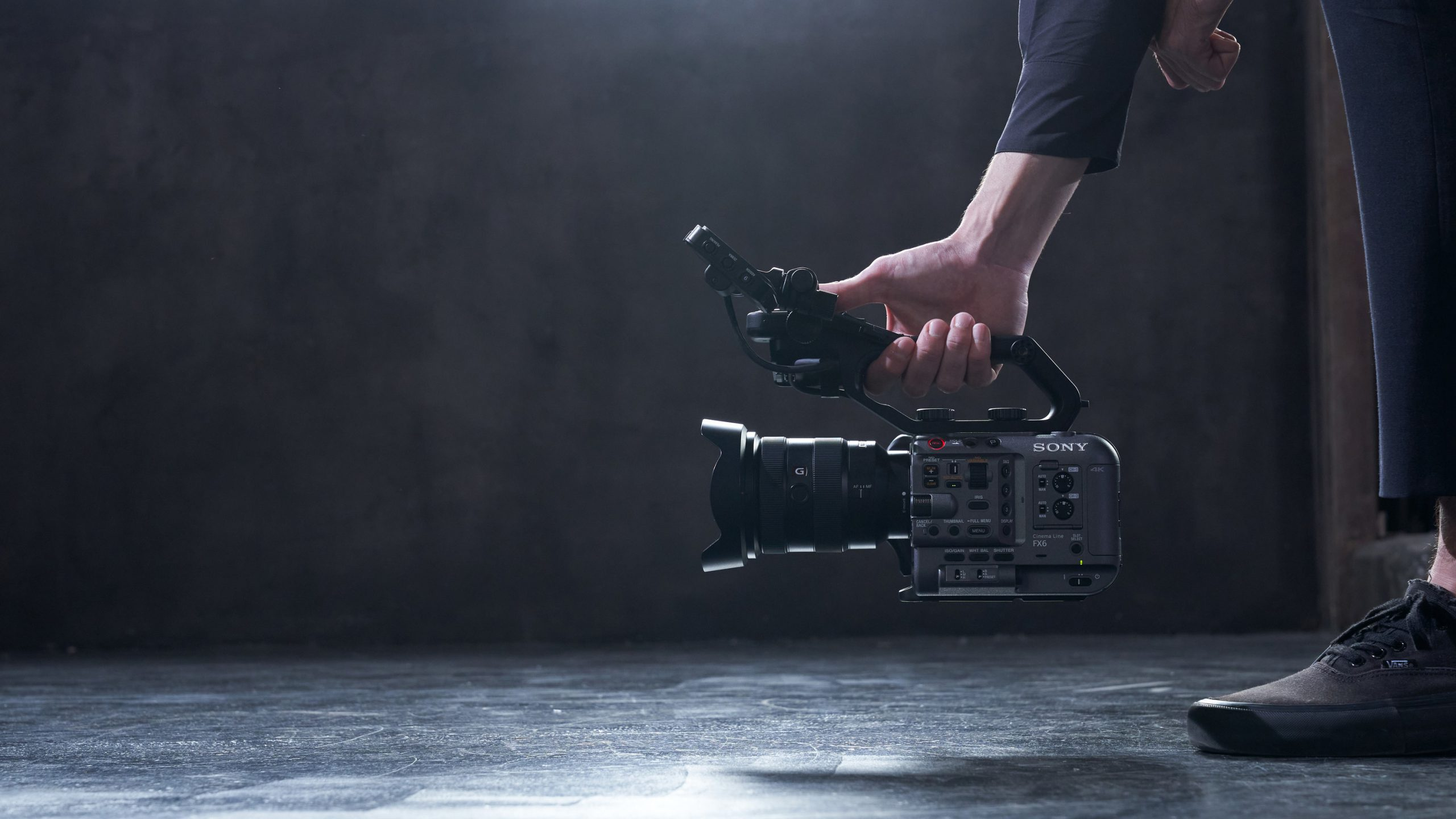 Sony Cinema Line FX6 lifestyle2