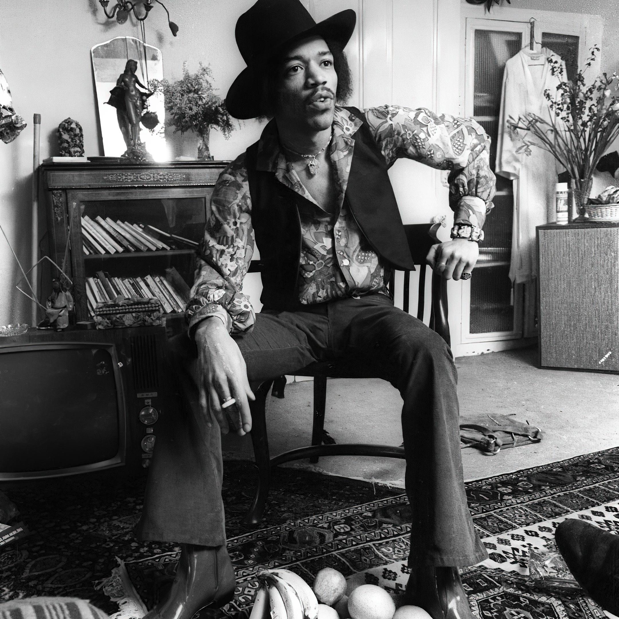 Jimi Hendrix Lowther Acousta 115 Bang & Olufsen Beogram 1000 LEAKS Stereo 30