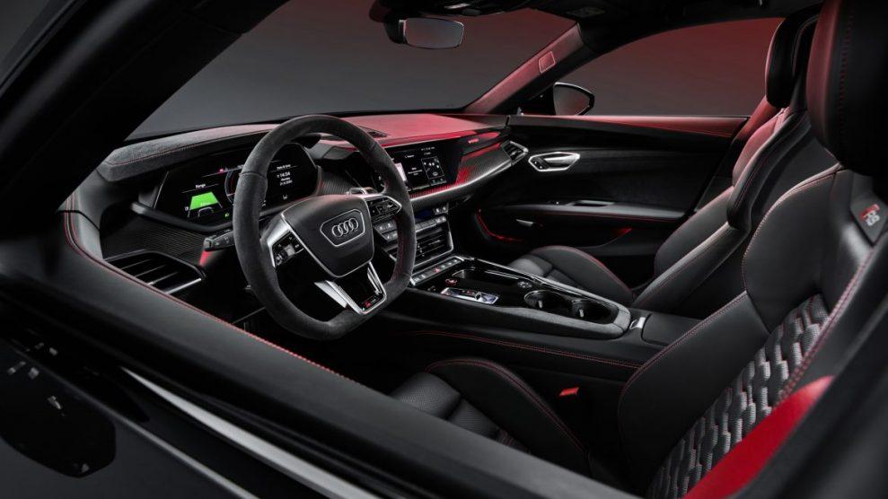 Audi-e-tron-GT-interior-3-989x556