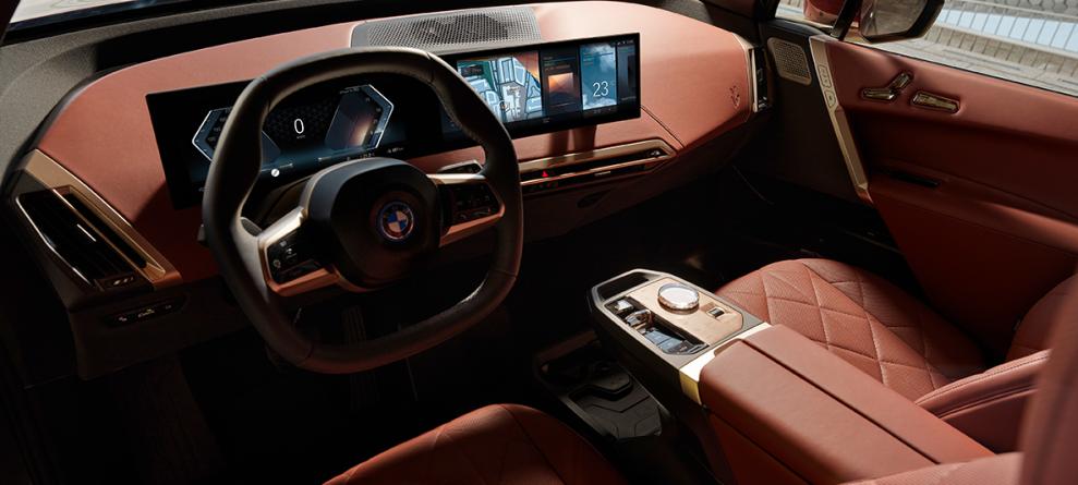 BMW-IX-front-interior-989x445