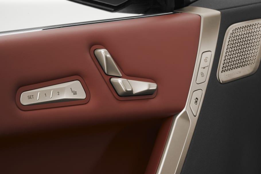 BMW-iX-door