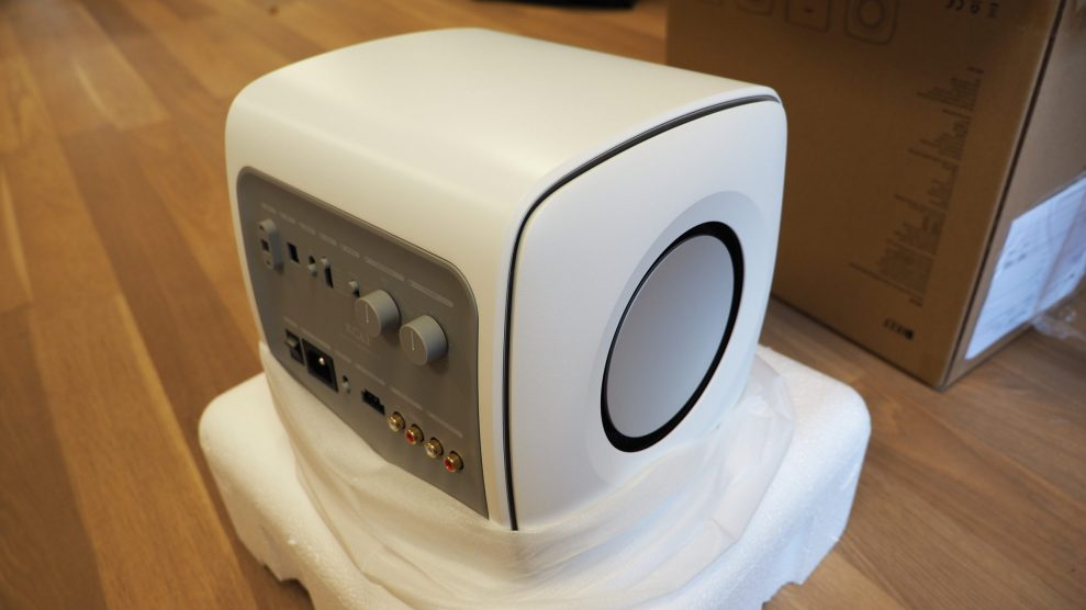 KEF-KC62-unboxing-3-scaled