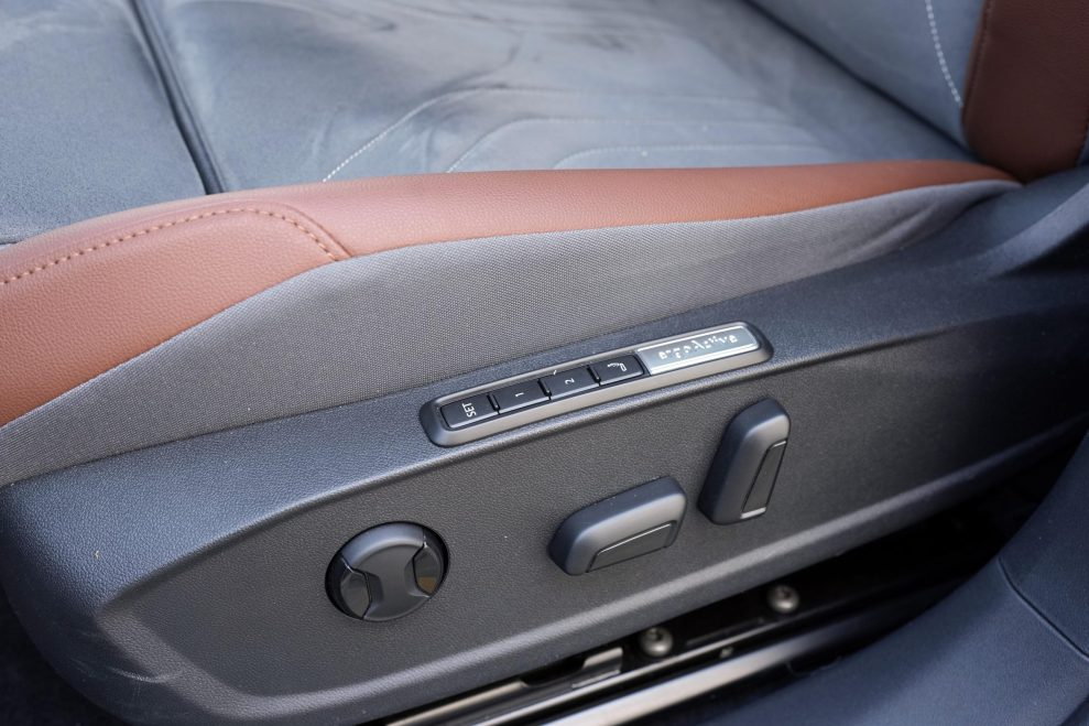 VW ID4 hvit elseter