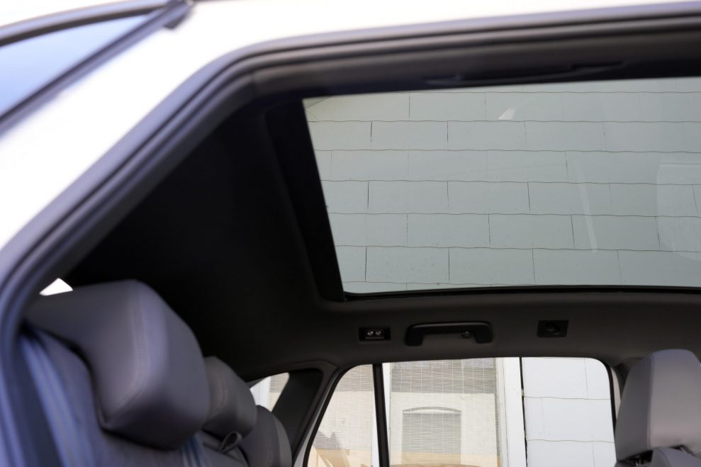 VW ID4 hvit pano