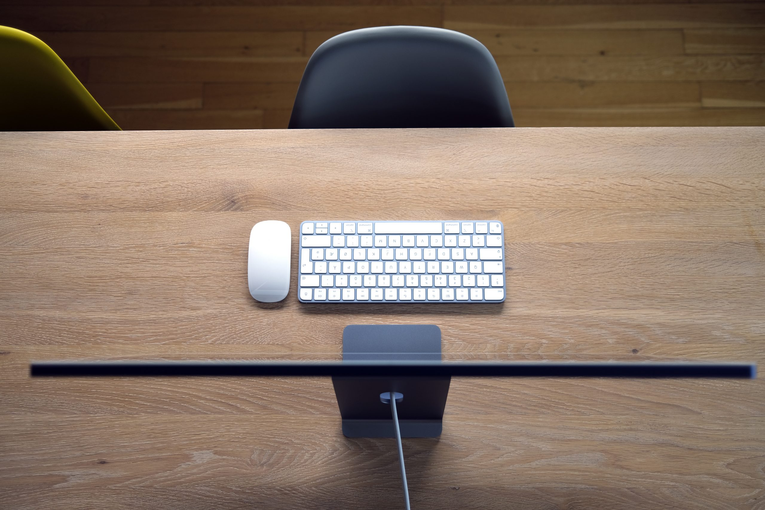 Apple iMac 24 M1 2021 desk