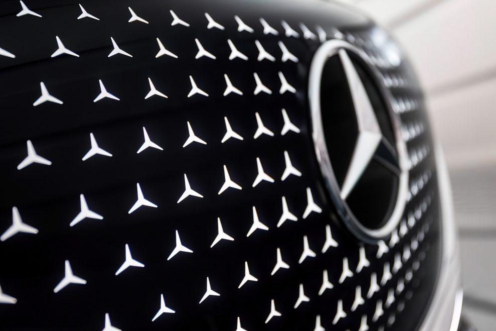 Mercedes-Concept-EQT-29-989x659