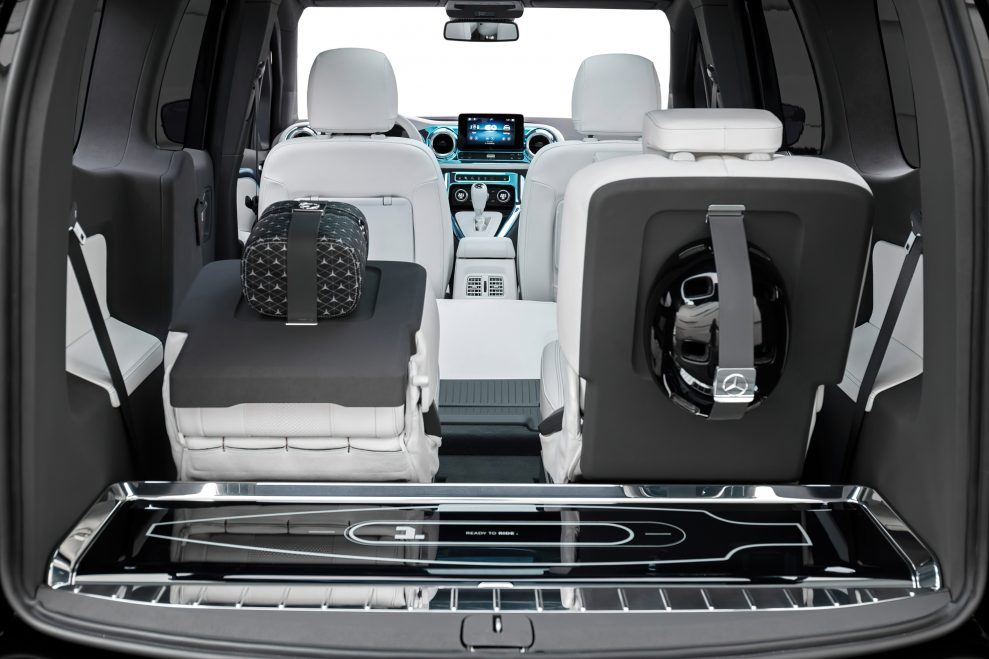 Mercedes-Concept-EQT-37-989x659