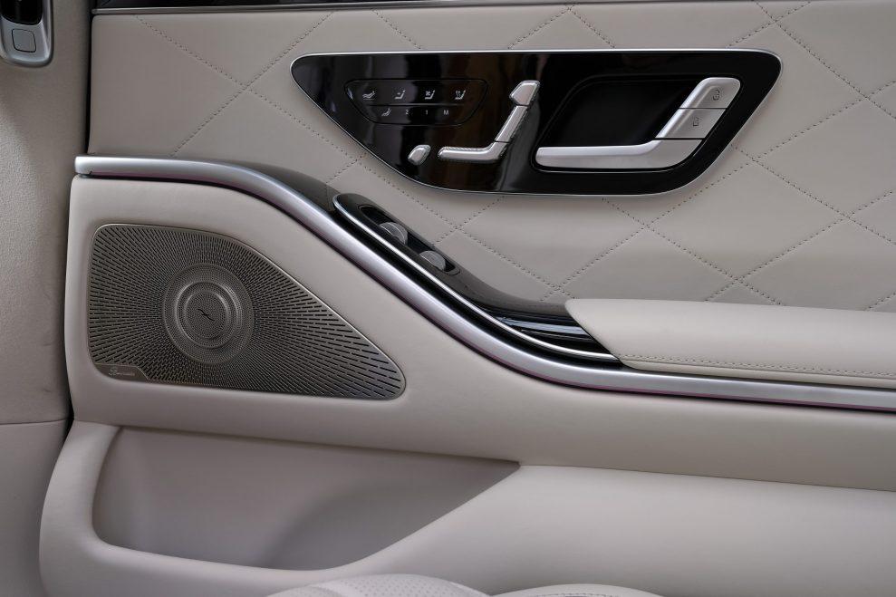 S-Klasse rear door speaker