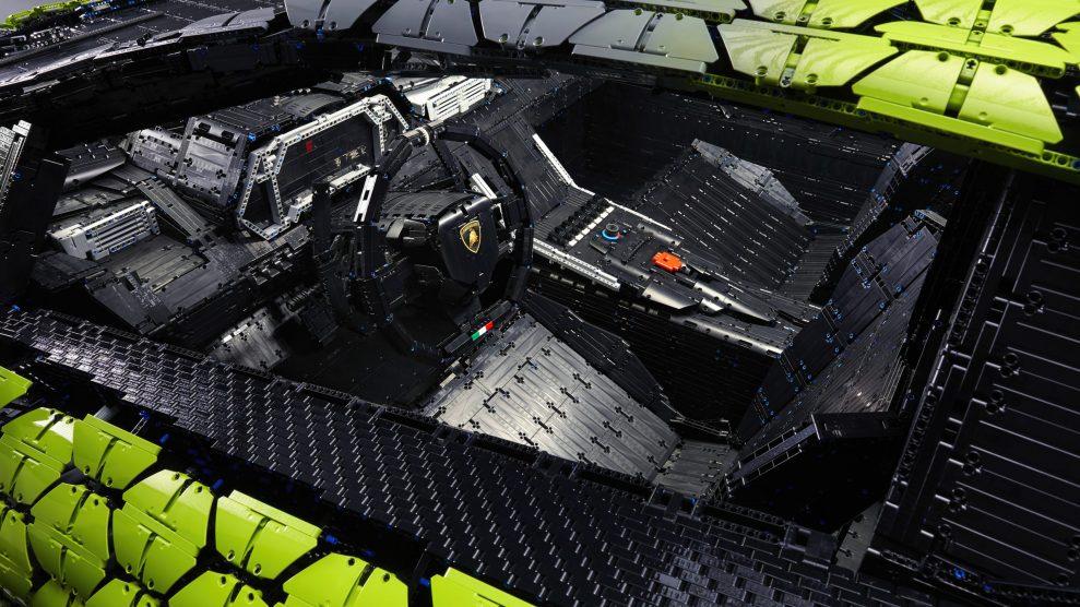 Life-size LEGO Technic Lamborghini Sian FKP 37 (15)