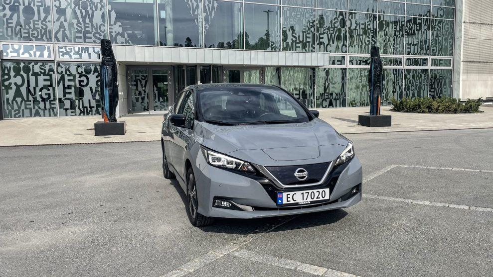 Nissan Leaf 2021 (9)