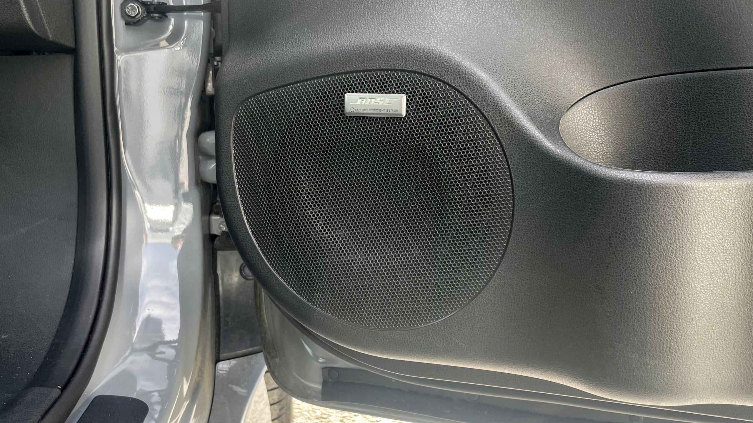 Nissan Leaf 2021 front woofer(2)