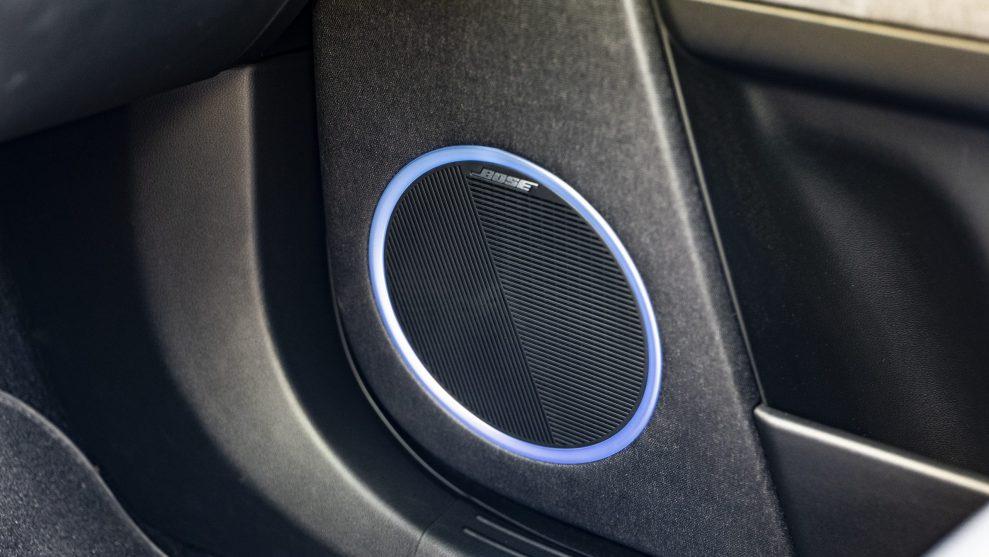 Hyundai IONIQ5 Midbass front