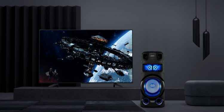 Javisst, Sony-høyttaleren kan brukes i stedet for lydplanke. Om man vil det, er en annen sak.
