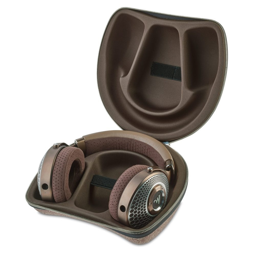 Focal Clear MG case open
