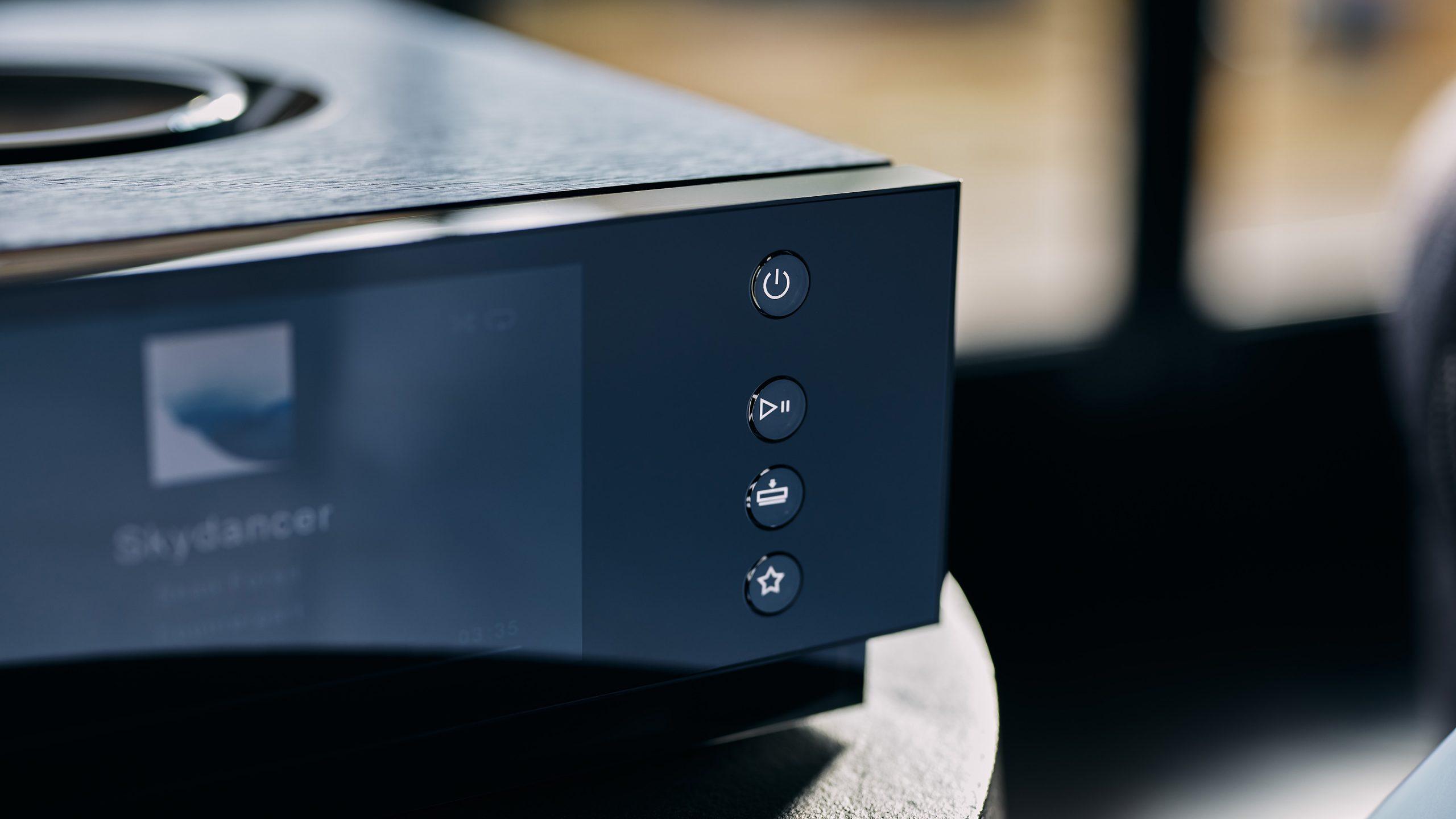Naim Uniti Atom Headphone Edition - button controls