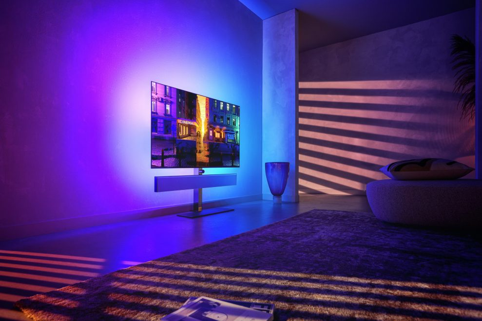 OLED986-IS-BANNER-PORTRAIT-RGB-01