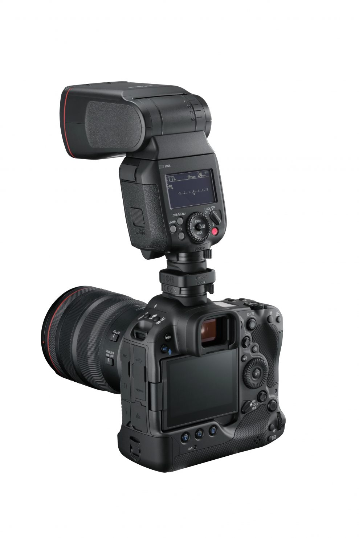 10_HotShoe-Adapter_BackSlantLeft_RF24-70mmF2.8LISUSM_EL-1-989x1483