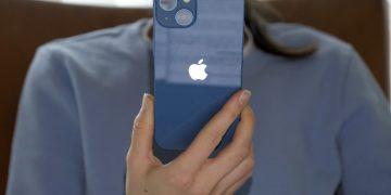 iPhone 13 blue