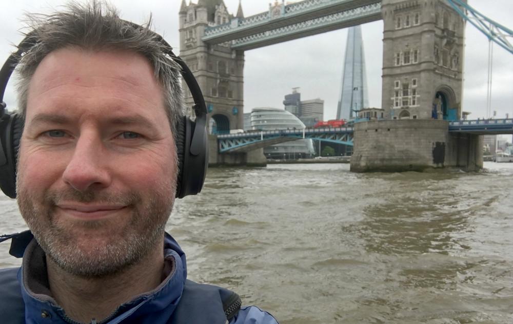 Undertecknad fick prova QC35 i RIB-båt på Themsen, där de blockerade oväsen imponerande väl i 50 knop. Foto: Geir Gråbein Nordby
