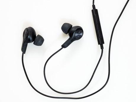 LG V30 Beoplay headphones