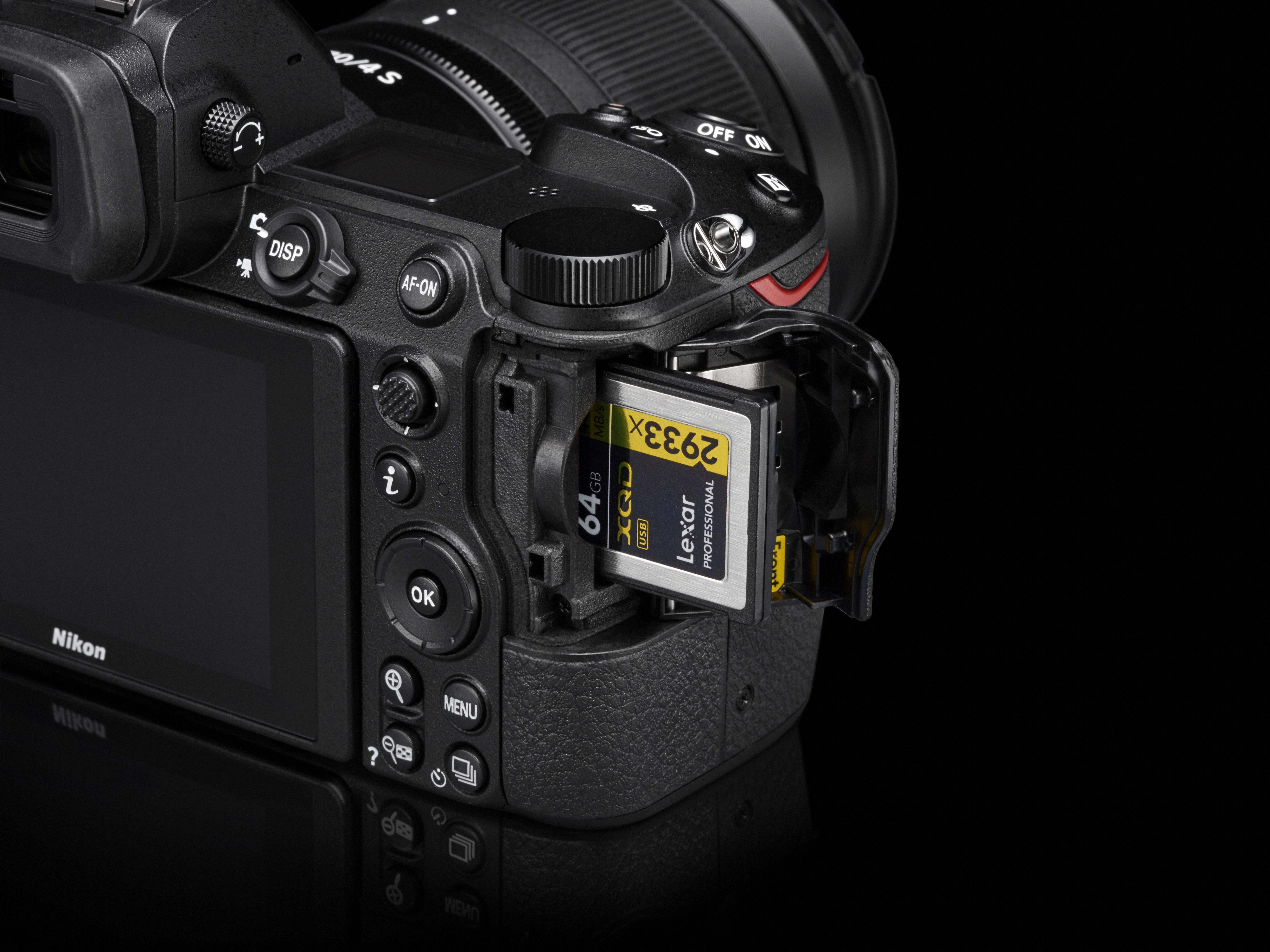 Nikon har valt kommande CFexpress-standarden för minneskorten.