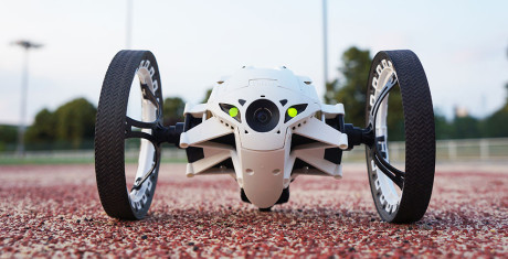 Parrot_Jumping_Sumo_2-990x505