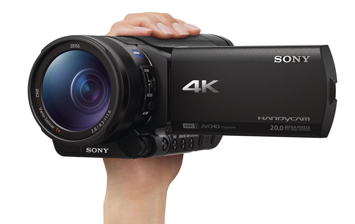 Sony_FDR-AX100E_håndholdt