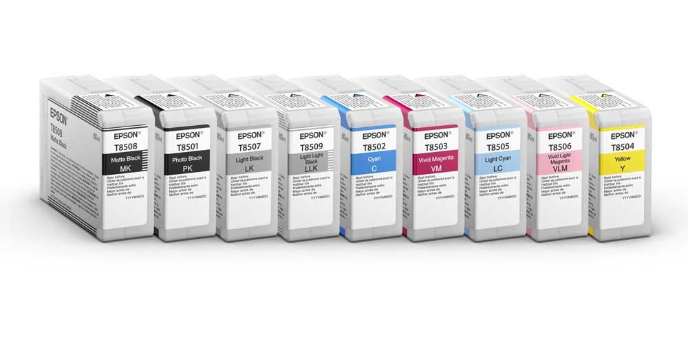 Nio 80 ml bläckpatroner, vara fyra är svarta och grå toner, gör att Epson-skrivaren är enastående med svartvita bilder. (Foto: Tillverkare)