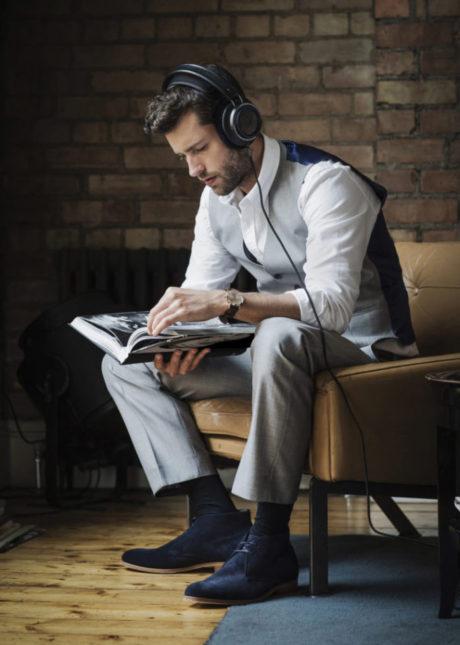 Om du letar efter ett par riktigt bra hörlurar för musikspisning i favoritfåtöljen hemma så bör Philips Fidelio X2HR stå högt på checklistan. Foto: Philips