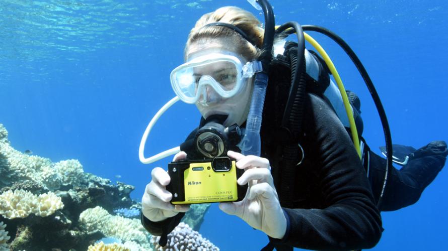 Vattentät Nikon med 4K