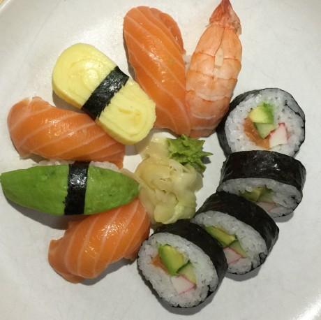 iPhone 6 Plus sushi bright web
