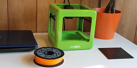 Skrivaren använder vanliga filamentrullar av olika plastmaterial