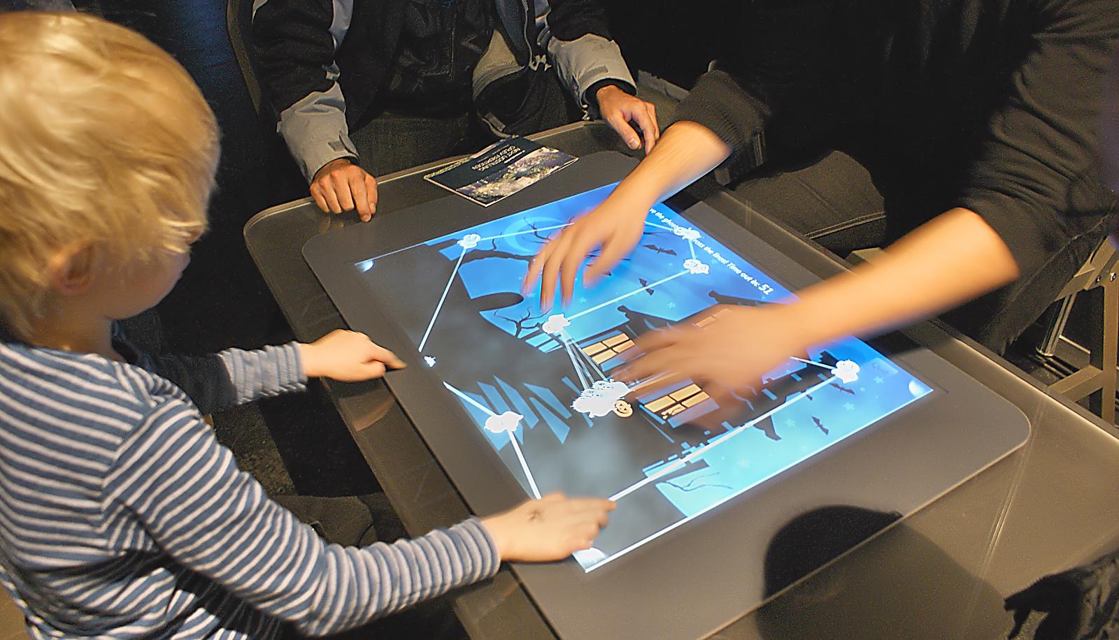 Den första Surface-datorn från 2008 var ett digitalt soffbord. Foto: John Alex Hvidlykke, Ljud & Bild.